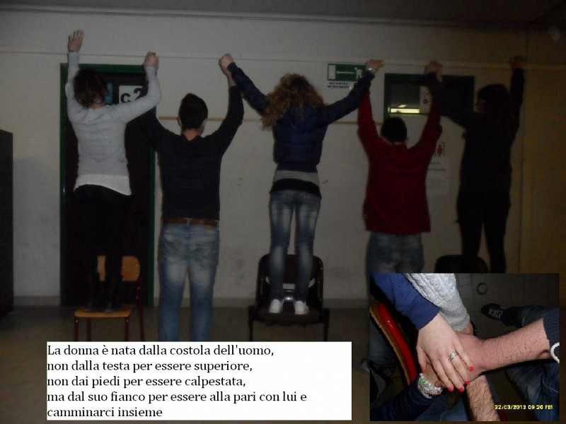 http://www.paroladidonne.it/tvindustria/img/copertine/0/1365085816.jpg